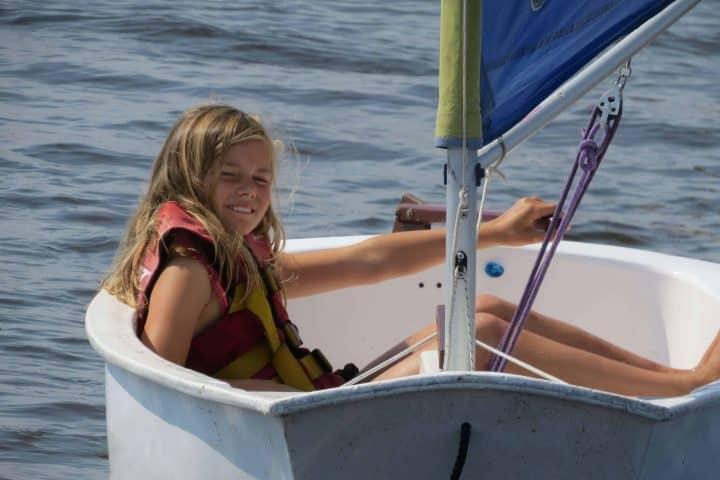 Zeilboot 'Optimist' - Zeilkamp Friesland - Stekelbaarsje (0437)