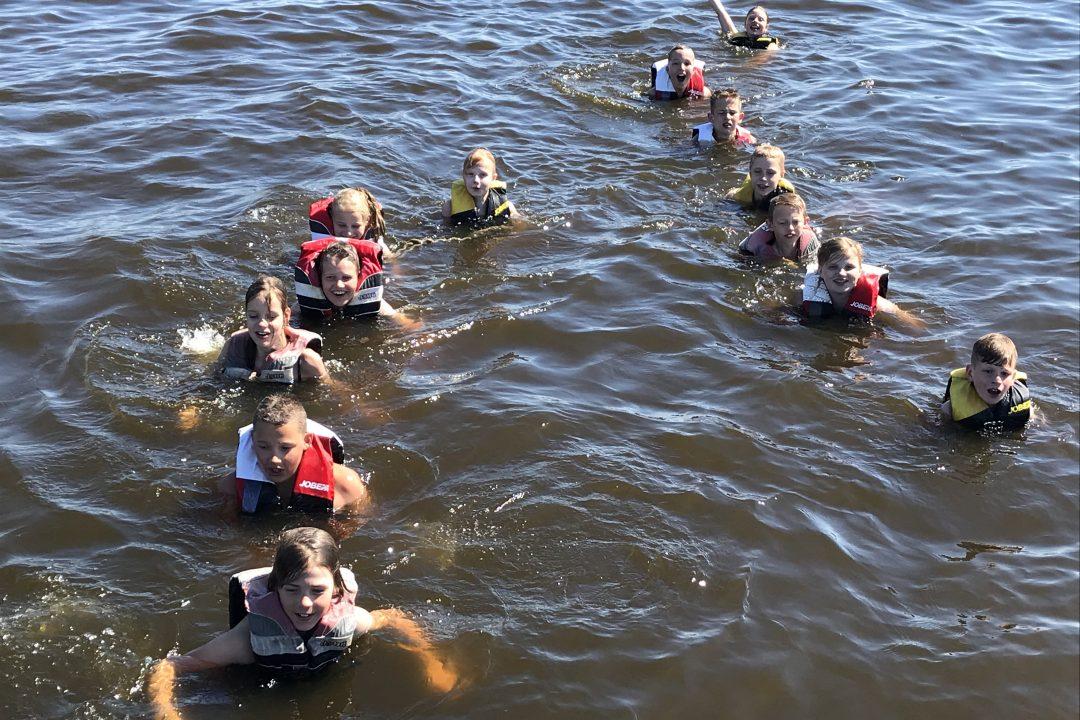 Zwemmen tijdens het schoolkamp