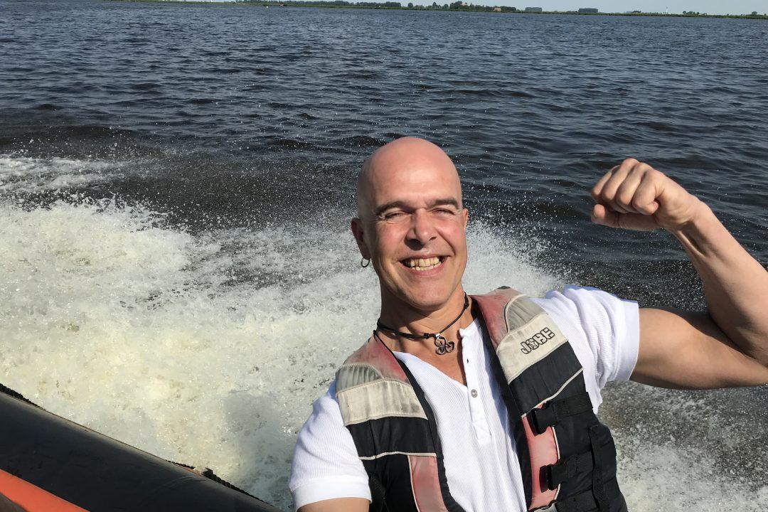 Rib varen tijdens een vrijgezellenfeest in Friesland