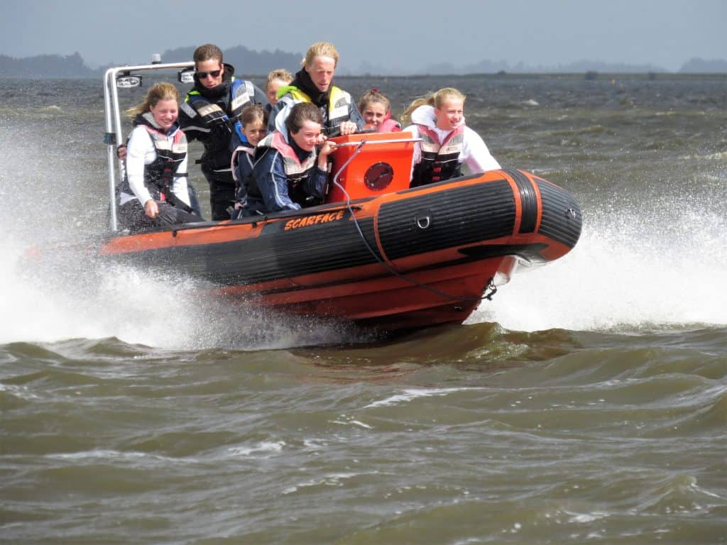 Schoolkamp speedboot varen
