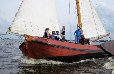 vrijgezellenfeest op een skutsje in Friesland